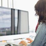 Vermeiden Sie beim Arbeiten mit dem PC Kopf- und Augenschmerzen