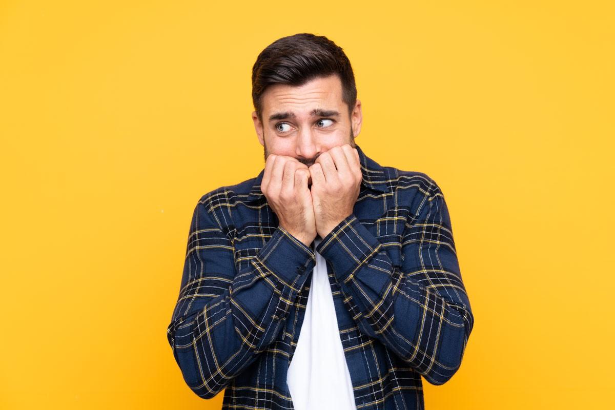 Lampenfieber bekämpfen: Mit der Gähn-Übung lockern Sie Ihre Muskulatur