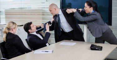 Konfliktmanagement: So reagieren Sie souverän bei offenen Auseinandersetzungen