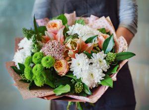 Blumenpräsente - So bereiten Sie der/dem zu Beschenkenden wirklich eine Freude und vermeiden Fettnäpfchen