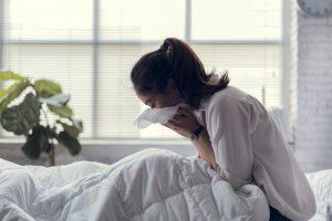 Kranke Mitarbeiter bleiben nicht (mehr) zu Hause