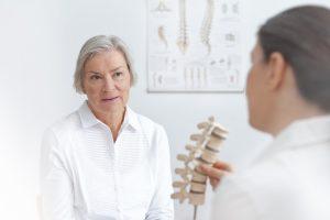 Osteoporose: Milch am Abend hemmt Knochenabbau in der Nacht