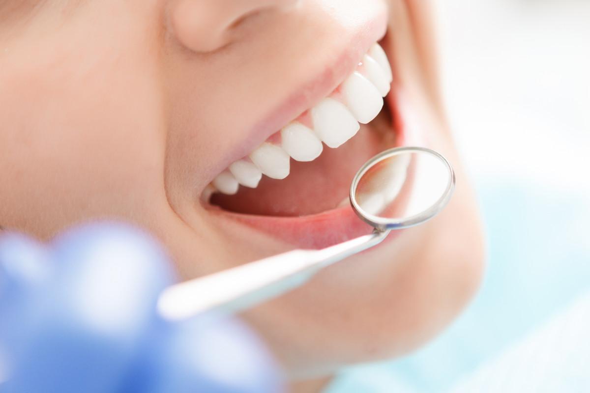 Zahngesundheit: Gesunde Zähne kommen auch Ihrem Herzen zugute