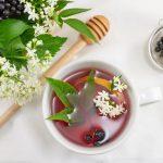 Hausmittel: Holundertee hilft gegen Fieber und Erkältungen