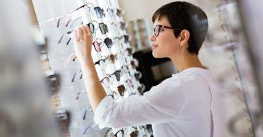 Wie Sie sich für die richtigen Brillengläser entscheiden