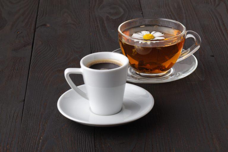 Flüssigkeitsbilanz: Kaffee und Tee gehören dazu