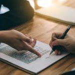 Arbeitszeugnis: Mit diesen Formulierungen vermeiden Sie Rechtsstreitigkeiten