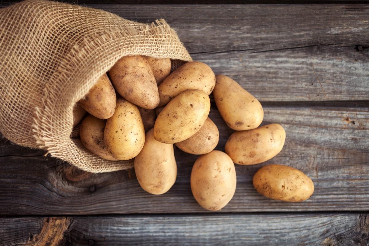 Tischmanieren: Kartoffeln schneiden oder nicht?