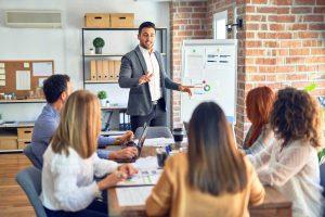 10 typische Verhaltensweisen in Besprechungen – und wie Sie optimal reagieren