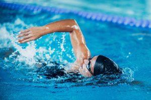 Beim Schwimmen kommt es auf die Technik an