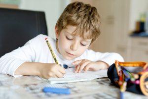 Tipps für Eltern: Wenn Ihre Kinder Schwierigkeiten mit den Hausaufgaben haben