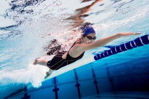 Schwimmen: Den eigenen Schwimmstil verbessern