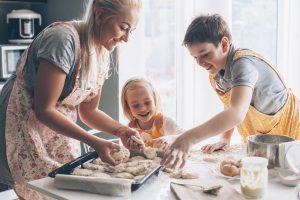 Ernährungserziehung: Kinder in die Küche