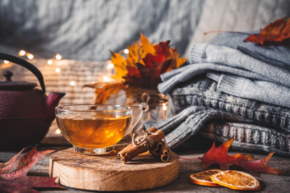 Basteln im Herbst: Blätter-Teelicht