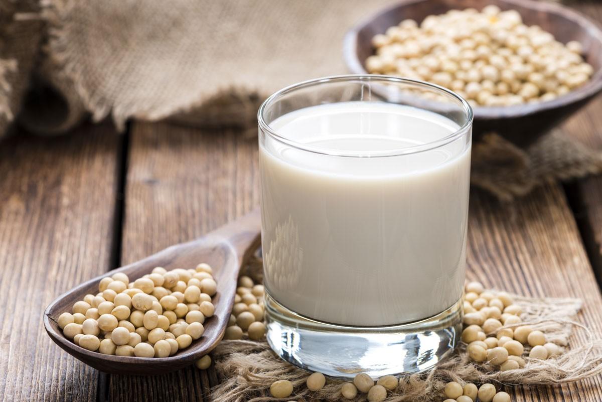 Soja- und Getreidedrinks sind Ihr gesunder Milchersatz
