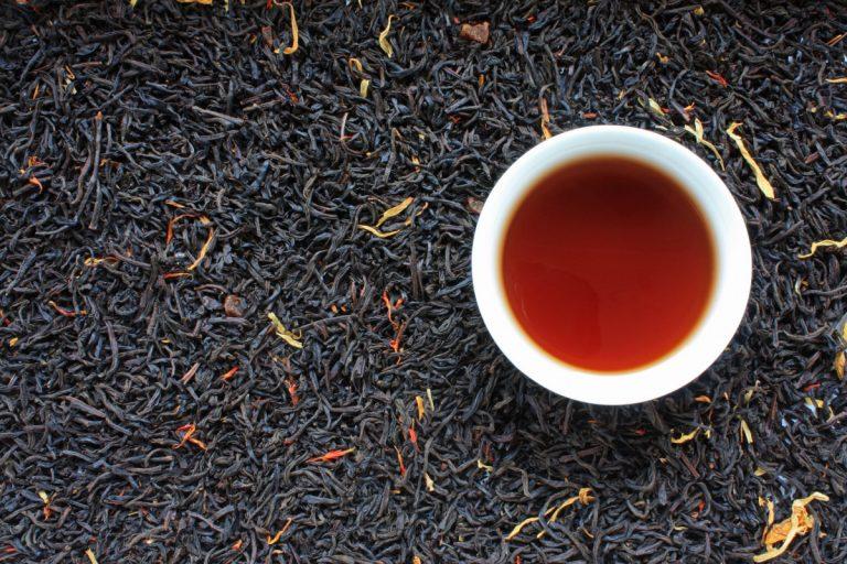 Abwarten und Tee trinken: Durch schwarzen Tee Stress abbauen
