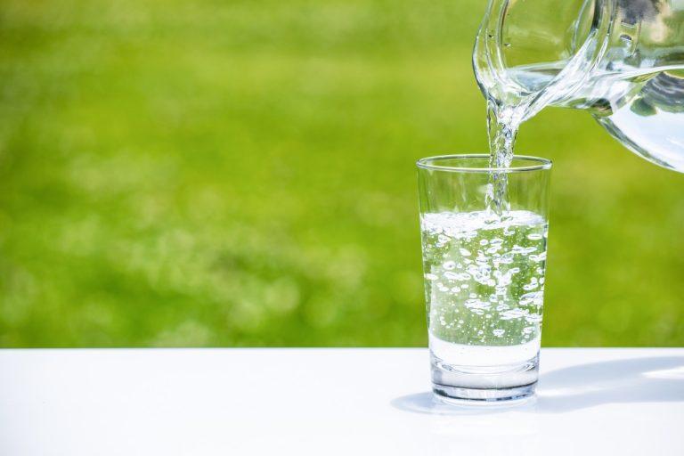 Trinkwasser hilft beim Abnehmen