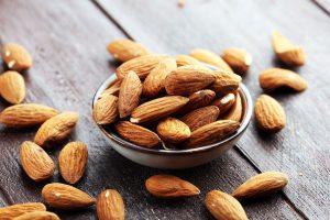 Cholesterin: Gute Fette in Mandeln