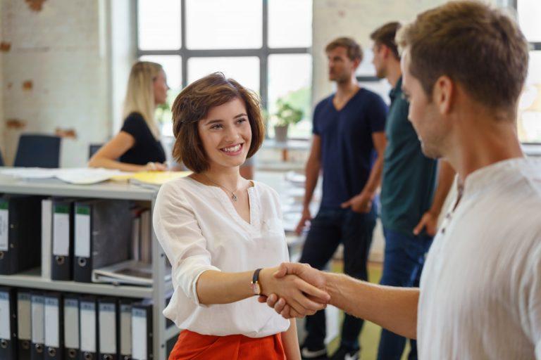 Umgangsformen: Gutes Benehmen fördert die Karriere