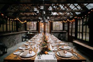 Tischordnung: Wie Sie Gäste protokollgerecht platzieren
