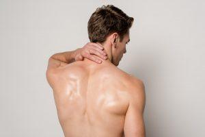 Rücken: So bekämpfen Sie Verspannungen im Nacken