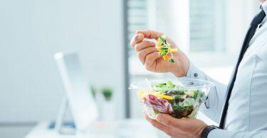 Richtig essen gegen die Müdigkeit am Nachmittag