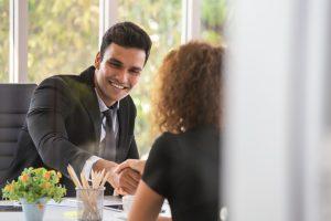 Business English: Wie Sie sich und andere professionell vorstellen