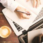 Schreibstil: Kurz, einfach, zeitgemäß