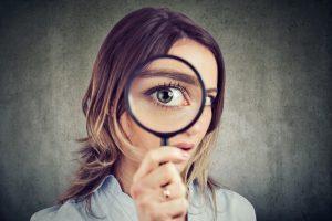 Achtsamkeit mit Detektivhut und Lupe: Auf den Spuren seiner selbst (Teil 1)