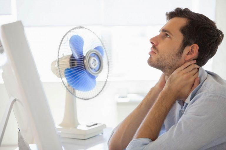 Sommerstress: Schwitzen im Büro