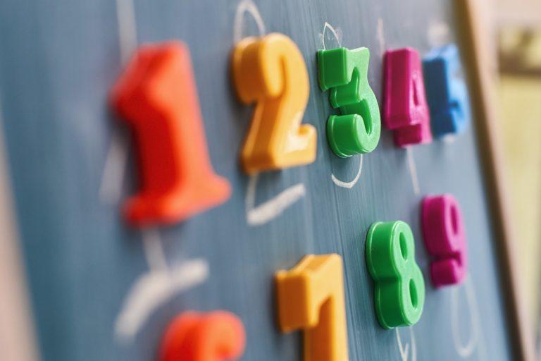 Französische Zahlen: Französische Redewendungen mit den Zahlen 3 bis 10
