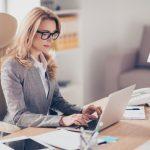 Schneller Überblick über E-Mail-Korrespondenz: Wie Sie Antworten auf Ihre E-Mails mit der Ursprungs-E-Mail ablegen können
