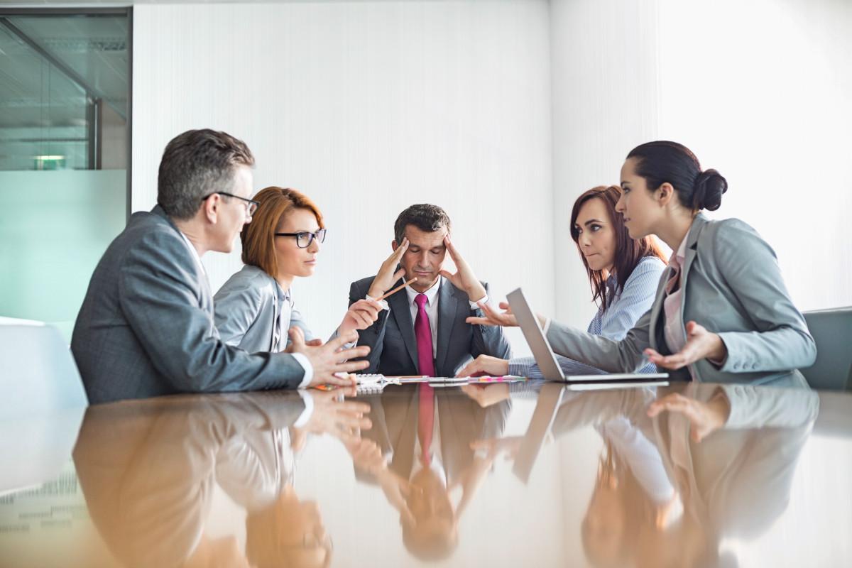 Wie gehen Mitarbeiter mit einem Konflikt um?