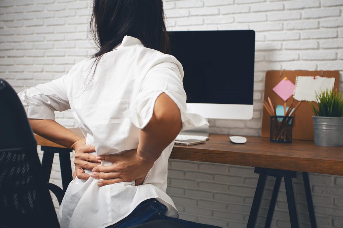 Rückenübungen fürs Büro: Rumpf strecken