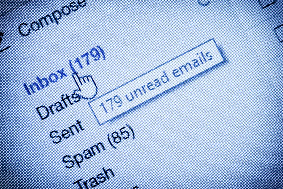 E-Mail-Pflichtangaben – Hier informieren und online überprüfen