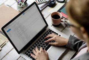 E-Mails zeitversetzt verschicken