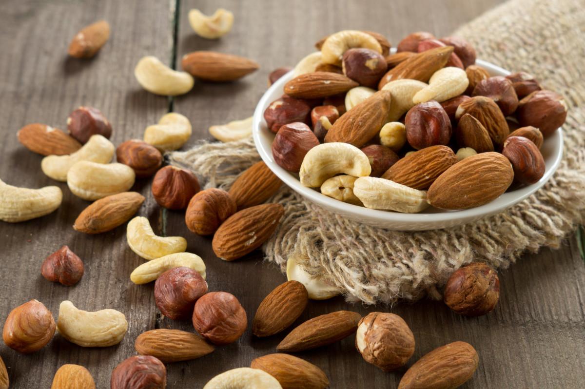Kalorientabelle 9: Nüsse und Hülsenfrüchte
