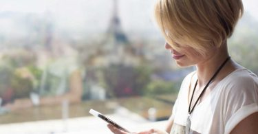 Französische Geschäftsbriefe: Wie formuliert man die Briefanrede auf Französisch?