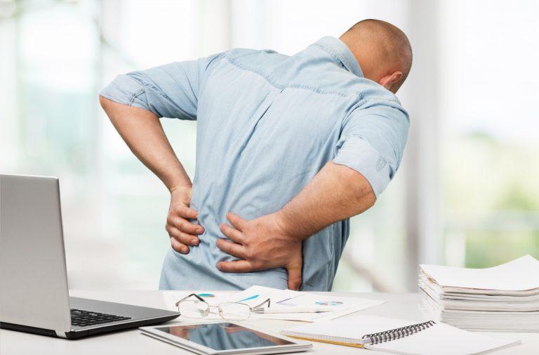 Rückenübungen fürs Büro: Ellenbogen kreisen