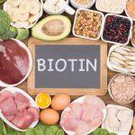 Brüchige Nägel: Biotin hilft