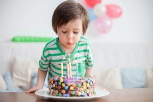 Kindergeburtstag: Eine Übernachtungsparty für Jungen