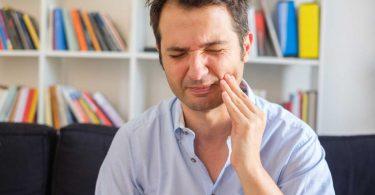 Zahnfleischerkrankungen erkennen und behandeln