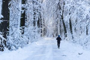 Joggen im Schnee: Tipps zum sportlichen Hochgenuss