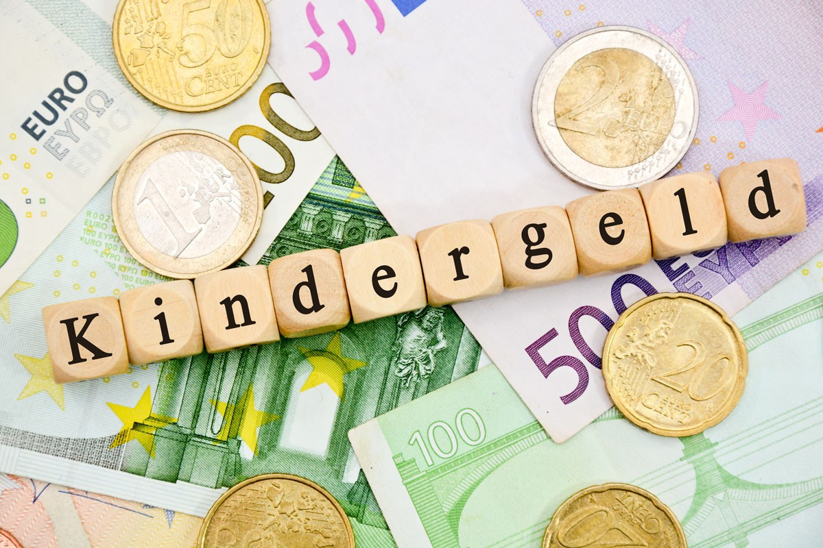 Wer bekommt das Kindergeld bei getrennt lebenden Eltern?