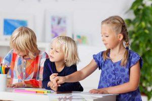 Kinder aktiv fördern oder sich entwickeln lassen?