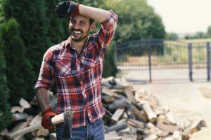 Die häufigsten Rücken-Irrtümer: Körperliche Arbeit schadet dem Rücken