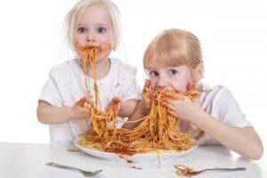 Tischmanieren: Esskultur gemeinsam genießen