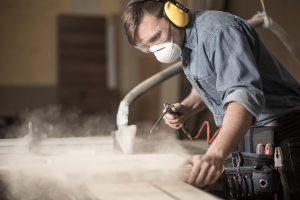 Arbeitsschutz: So schützen Sie sich vor Staub beim Arbeiten