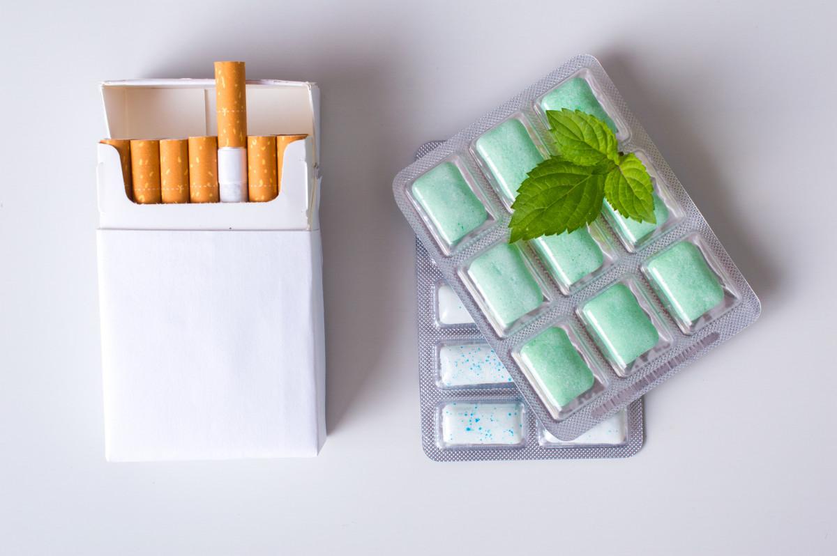 Rauchen: Nikotinkaugummis können bei der Raucherentwöhnung helfen