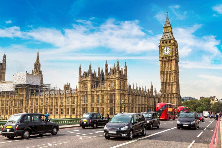 Verkehrsregeln im Ausland: Was Sie beachten sollten
